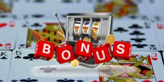 casino bonus image of slot machine overlaid on playing cards