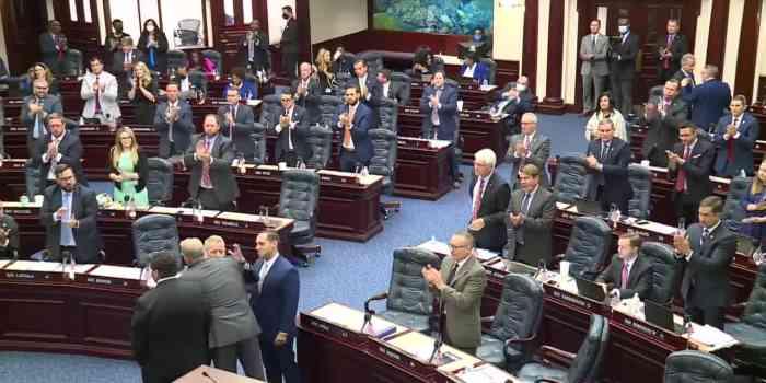 florida legislature approves desantis seminole gaming compact 2021